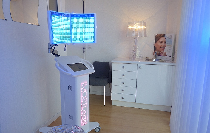 Lampe LED dermatologique à Toulouse